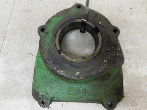 JD UNSTYLED AR AO L.H MAIN BEARING COVER  11169
