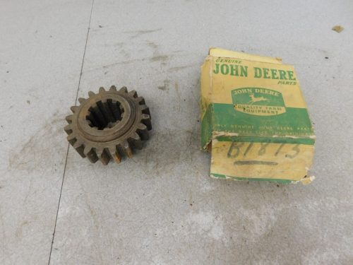 JD STYLED B NOS 2ND & 4TH SPEED SLIDING PINION GEAR 11208