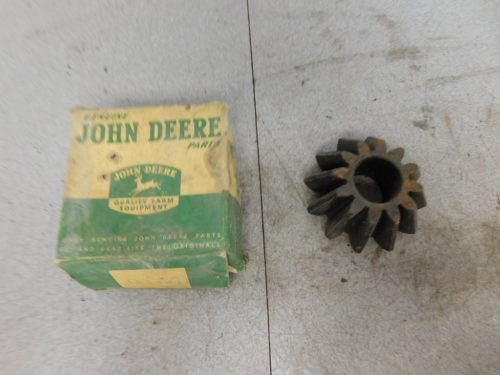 JD A NOS DIFFERENTIAL PINION BEVEL GEAR  11211