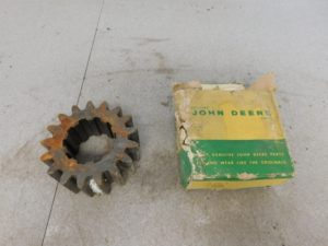 JD A NOS DIFFERENTIAL DRIVE PINION GEAR 11212