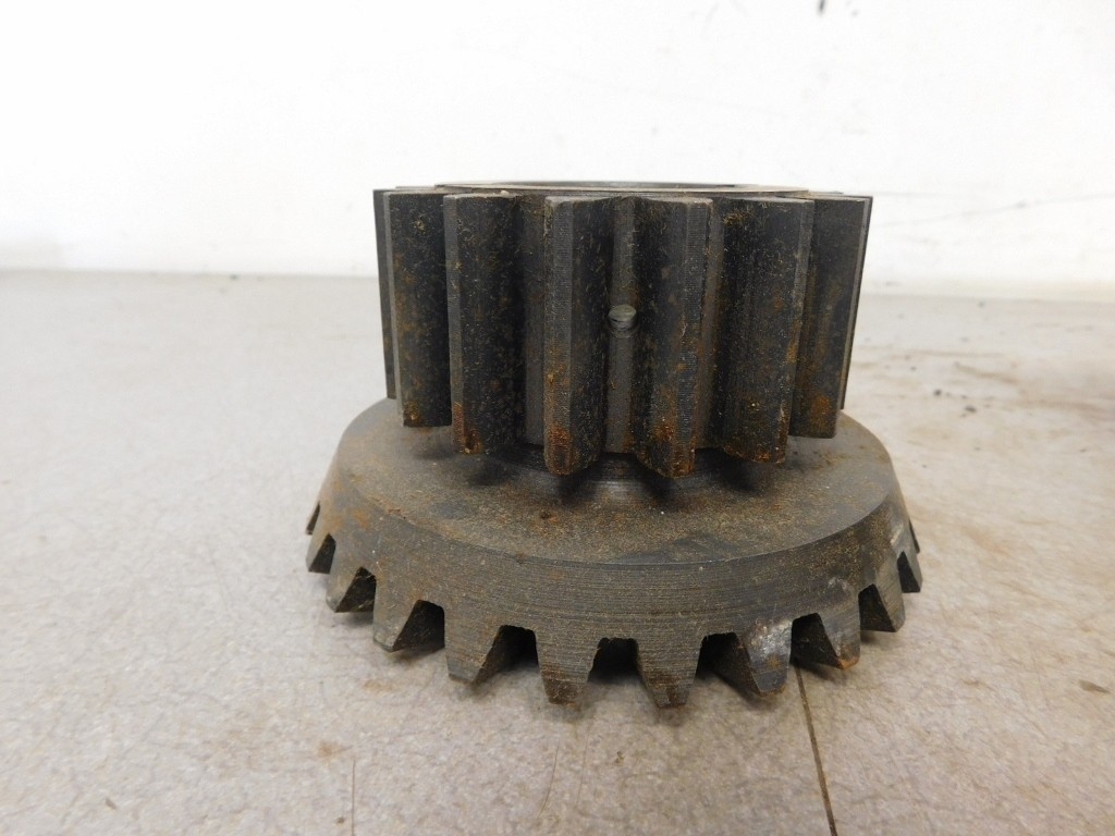 JD UNSTYLED B NOS DIFFERENTIAL BEVEL PINION GEAR 11267