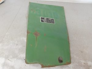 JD 3010 RIGHT REAR ENGINE SIDE PANEL 11569