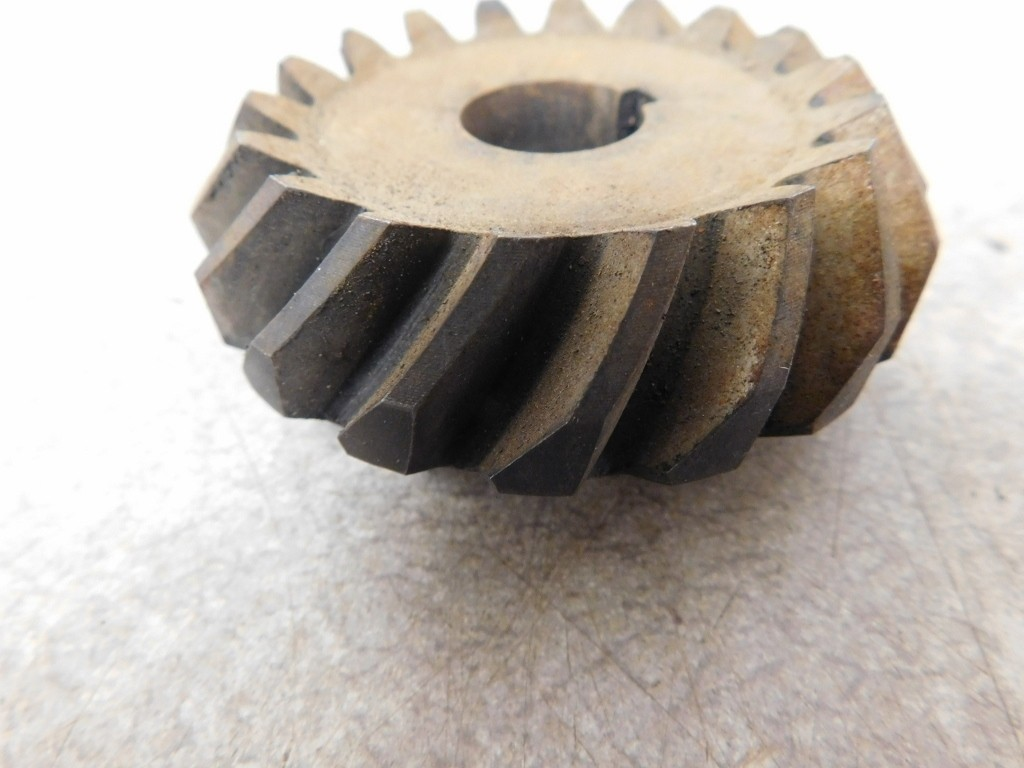 JD 70 DIESEL FAN GEAR 11775