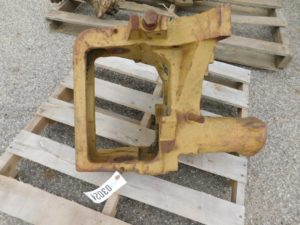 JD 420 430 I W FRONT SUPPORT 03024