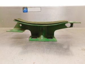 JD MID RANGE STYLED B NOS FRONT TANK SUPPORT  12134